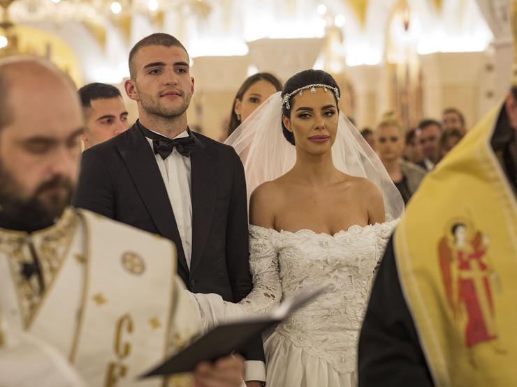 Bogdana Rodić i Veljko Ražnatović - crkva