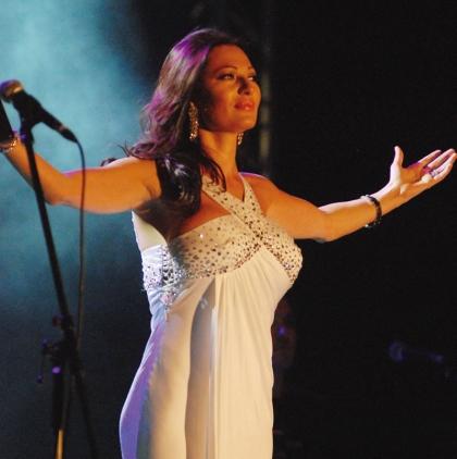 Svetlana Ceca Raznatovic tokom koncerta u Cacku
